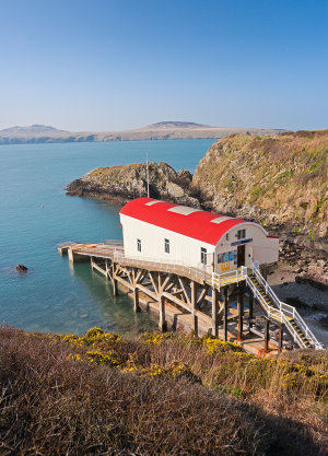 Lifeboat station at Porth Stinian
